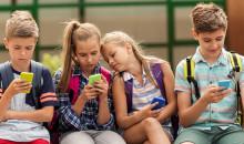 Рейтинг телефонов для школьников: топовые модели 2019 года