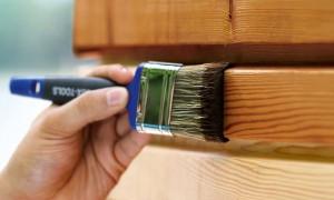 Эффективная защита поверхностей: рейтинг 2021 года лучших лаков для дерева