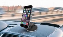 Прочно и надёжно: рейтинг 2021 года лучших держателей смартфонов с беспроводной зарядкой в машину