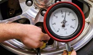Рейтинг лучших автомобильных манометров 2020 года для тех, кто ценит безопасность и комфорт