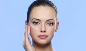 Храни кожу смолоду: рейтинг лучших кремов от морщин вокруг глаз 2021 года