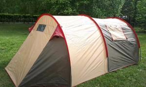 Просторная палатка хорошего качества
