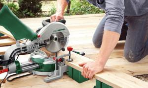Красивый вид и хорошее прилегание деревянных деталей зависит от их обработки: рейтинг лучших торцовочных пил 2020 года