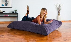 Мягко и удобно: рейтинг лучших напольных подушек для сидения 2021 года