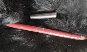 Копеечный карандаш с богатой цветовой палитрой