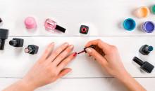 Красиво и полезно: рейтинг лучших лаков для укрепления ногтей 2021 года