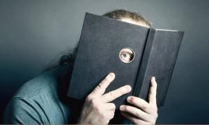 По следам Эркюля Пуаро и Шерлока Холмса: рейтинг лучших российских книг-детективов