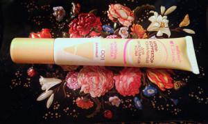 Обзор тонального крема-корректора Белита-Витэкс Classic для проблемной кожи «Контроль блеска»