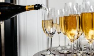 Какое шампанское лучше: рейтинг 2020 года для простых покупателей и настоящих гурманов