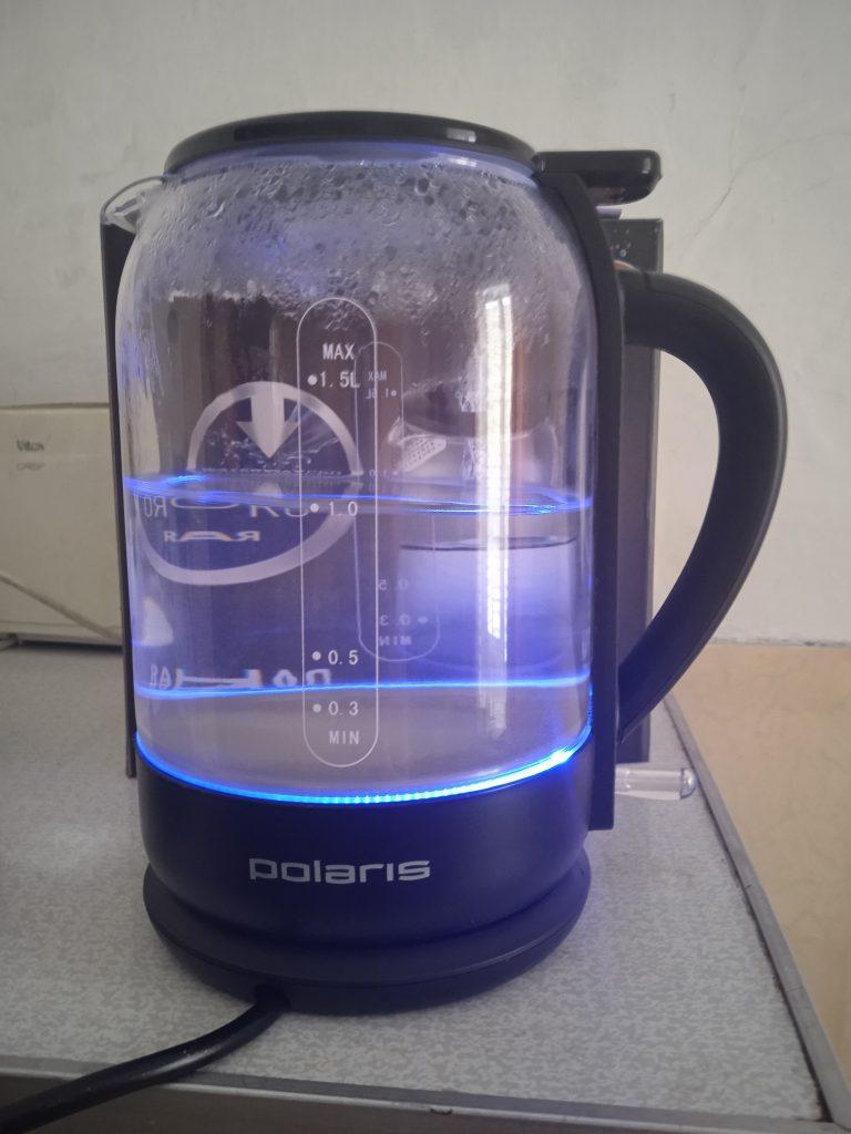 Классный чайник с вехним заливом воды и сказочной подсветкой